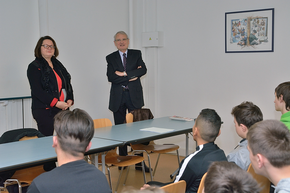 Intervention_Gérard_Cherpion_Collège_Souhait_03