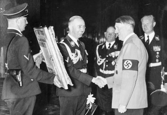 Himmler-hitler-538x372