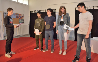 Pièce_Théâtre_DAIP_Lycée_JBJ (2)