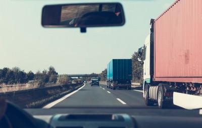 route-voiture-bouchon-pollution