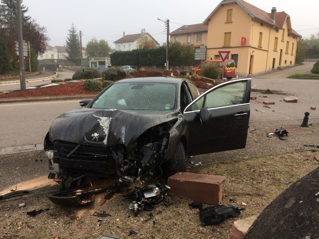 Etival-Clairefontaine-Accident_Fontaine (1)