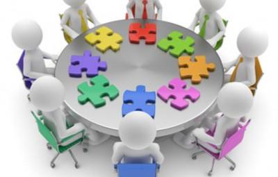 puzzle am runden tisch