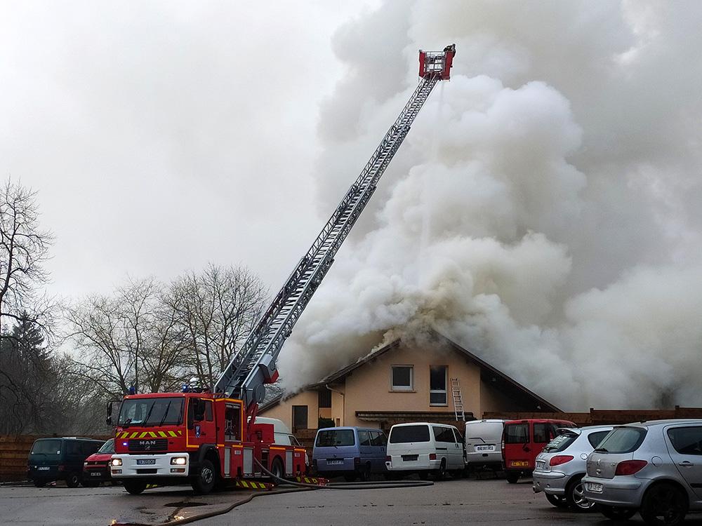 Incendie_Rue_Gaston-Save_Prolongée_Sainte-Marguerite (5)