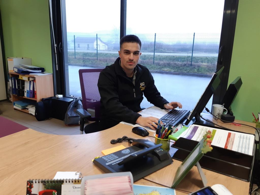Anthony, en licence commercial réseau sociaux