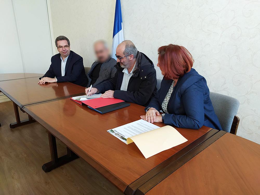 Signature_Contrat_Emplois_Francs (2)