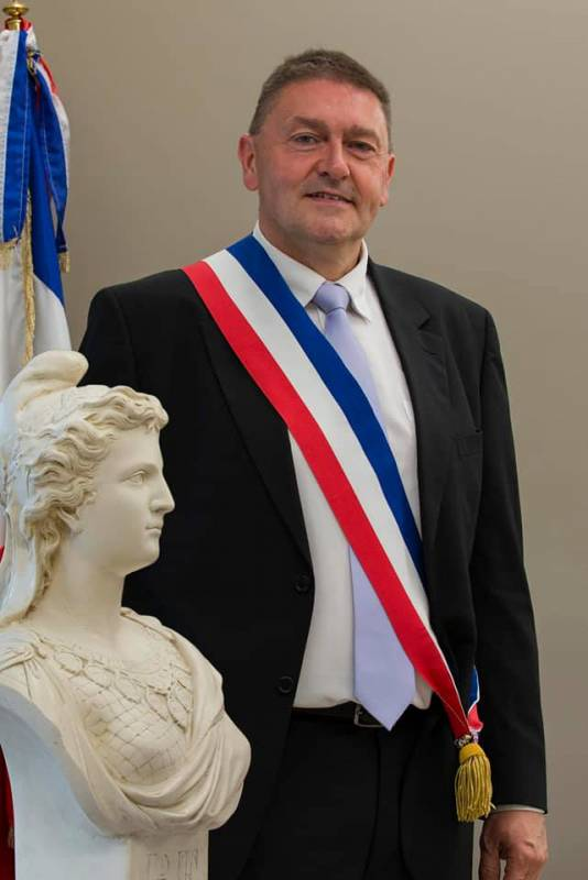 Moyenmoutier-Installation_Maire_Jean_Hirli (1)