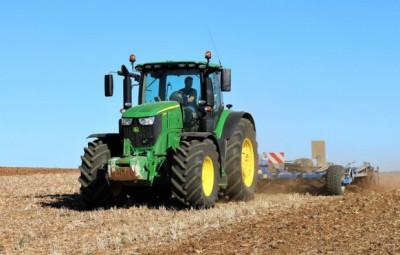 tracteur-John-Deere-6250R-700x394