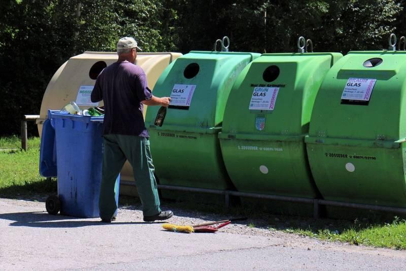 waste-424443_1280