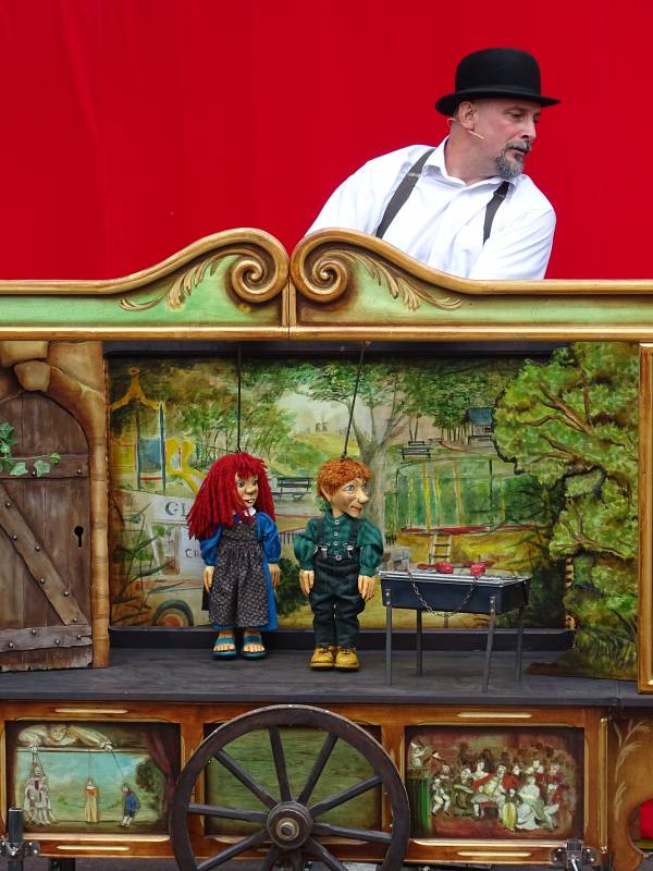 06. Royales Marionnettes