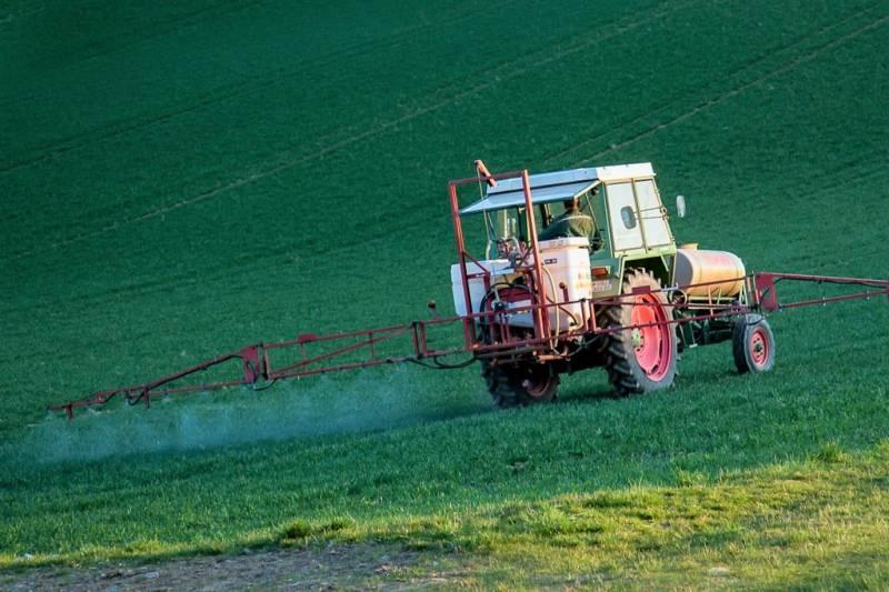 pesticide-4089881_1280