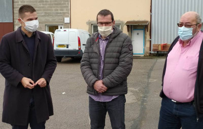Thierry Fabre (au centre) est le nouveau directeur du Centre Technique Municipal de Saint-Dié-des-Vosges.
